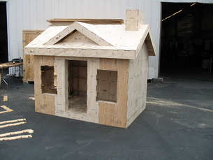 The completed playhouse at 2009 Maker Faire